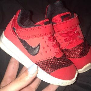 Toddler Nike shoes red and black